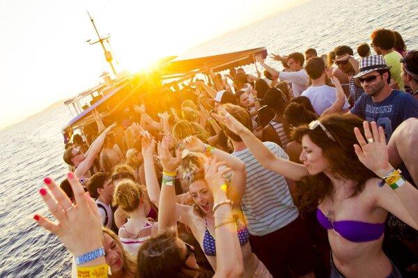 Fiestas en Barco en Conil de la Frontera y El Palmar