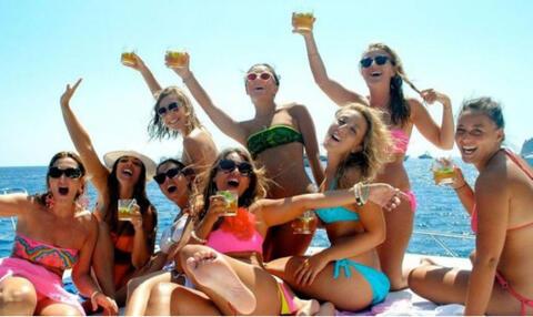 Paseos en Barco en Tarifa - Barco para despedida de soltera en Tarifa