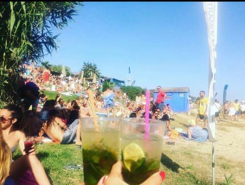 Fiestas en Chiringuitos de Tarifa - fiesta_chiringuito_tarifa_arte_y_vida_04.jpeg