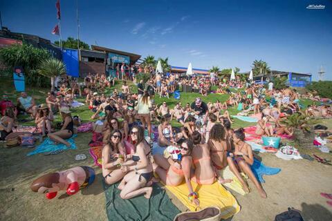 Organización de Despedidas de Solteras y Solteros en Tarifa - Fiesta en la playa para despedidas en Tarifa