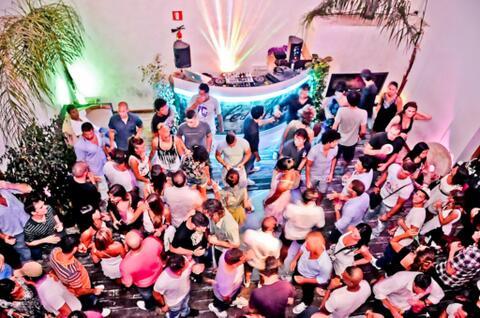 Organización de Despedidas de Solteras y Solteros en Tarifa - Fiesta en discotecas para despedidas en Tarifa