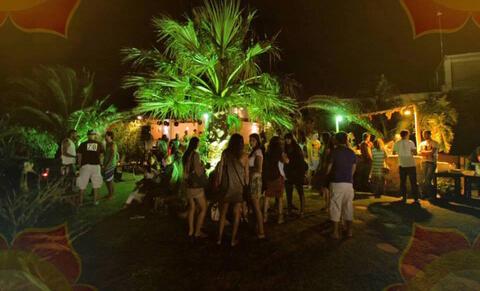 Organización de Despedidas de Solteras y Solteros en Tarifa - Fiesta en discoteca para despedidas en Tarifa