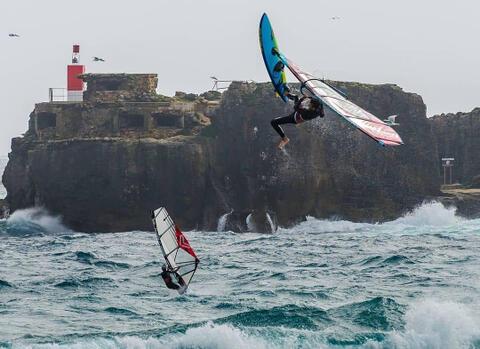 Kitesurf y Windsurf en Tarifa - Windsurf en Tarifa 15.jpg